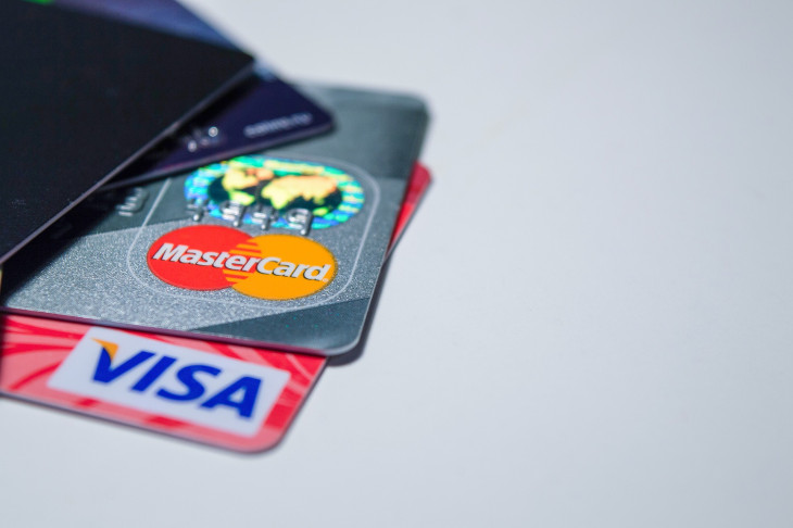 Credit or Debit Card? Ultimate guide