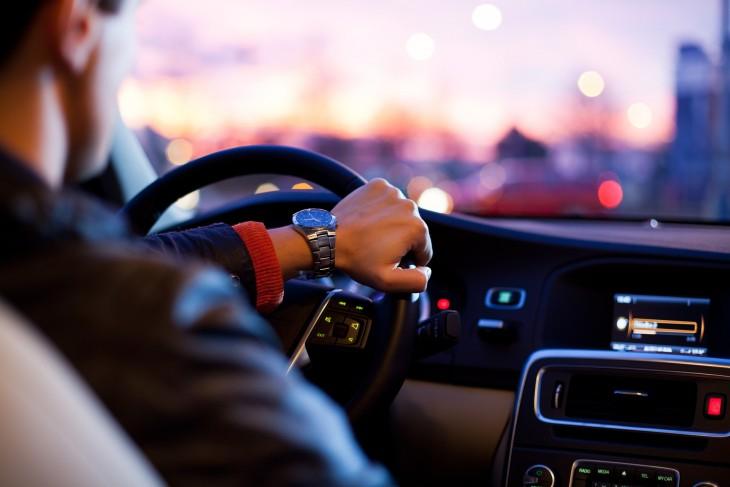 دليلك لقروض السيارات في الأردن